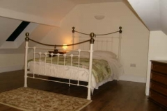 db_The_Granary_-_Bedroom